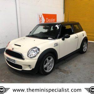 SOLD – 2008 Mini Cooper  S Automatic in Pepper White – SOLD
