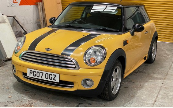 Mini Cooper For Sale with £1,610 of extras and JCW Bodykit