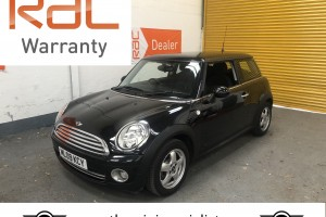 SOLD – 2009 Mini Cooper in Metalic Black with £2,610 worth of extras