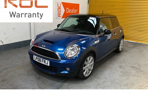 Mini Cooper S in Lightning Blue