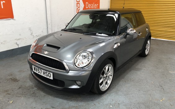 SOLD – 2007 (57) MINI Cooper S- with £4,725 worth of extras and Full Service History – SOLD