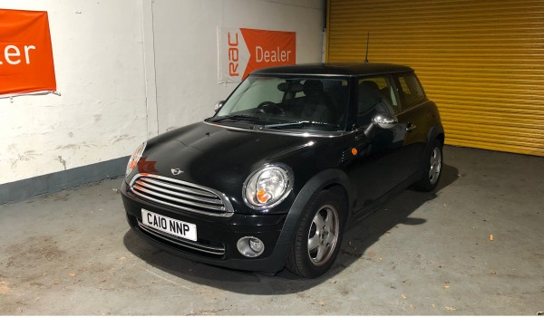 SOLD – 2010 Mini Cooper in Metalic Black with Panoramic Sunroof – SOLD