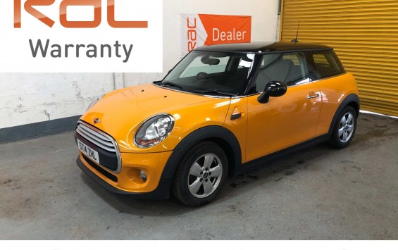 2014 (14) MINI Cooper – in bright orange and Full Service History