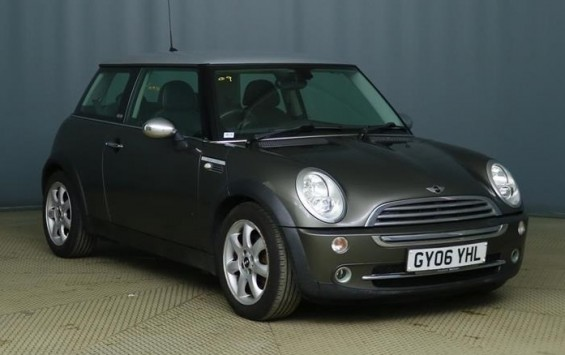 DUE IN – 2006 MINI Cooper Park Lane Special Edition
