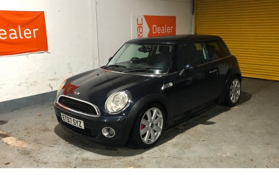 Deposit Taken – 2007 Mini One in Metalic Black with JCW Bodykit & 17 inch refurbished alloys – Deposit Taken