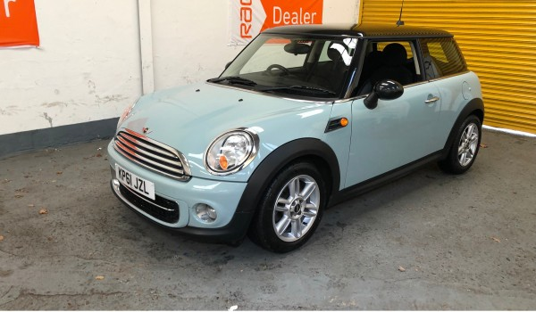 2011 (61) MINI Cooper D – with 65,000 miles from new CHILI Pack and Full Service History