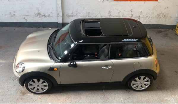 SOLD – 2008 Mini Cooper auto in champagne silver metallic & £4,635 worth of extras – SOLD