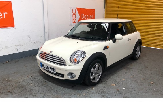 SOLD – 2009 MINI 1.4 ONE in Pepper White with Pepper Pack – Finance Available – SOLD