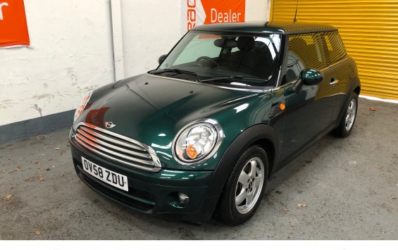 2009 (58) MINI Cooper D- with 34,500 miles from new and Full Service History